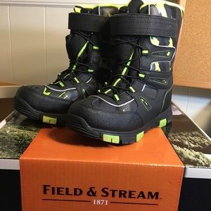 Boys Field and Stream Snow Boots.